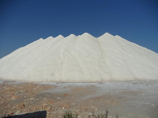 salt-374553_640